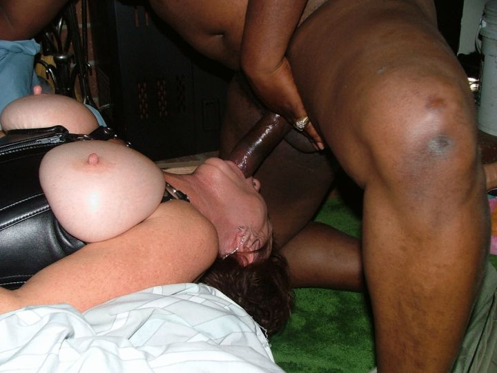 white girls eating black girls pussy